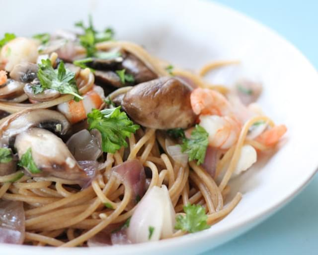 Linguine with Shrimp, and Baby Portabellos in Wine Sauce