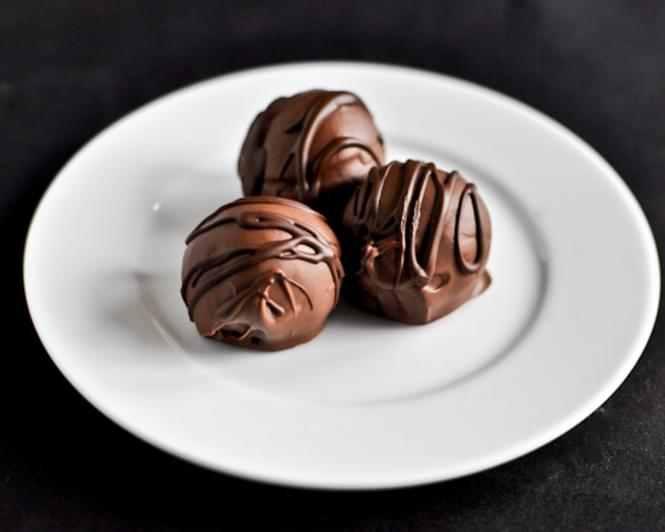 how to make chocolate coconut truffles