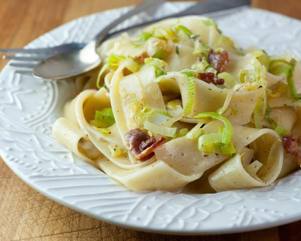 Pasta with Leeks and Bacon