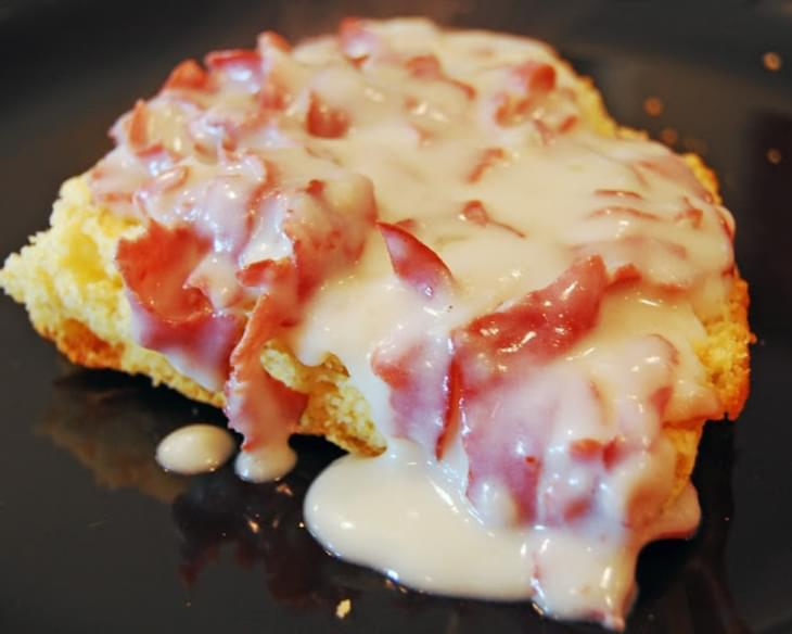 Chipped Beef Gravy over Cornbread