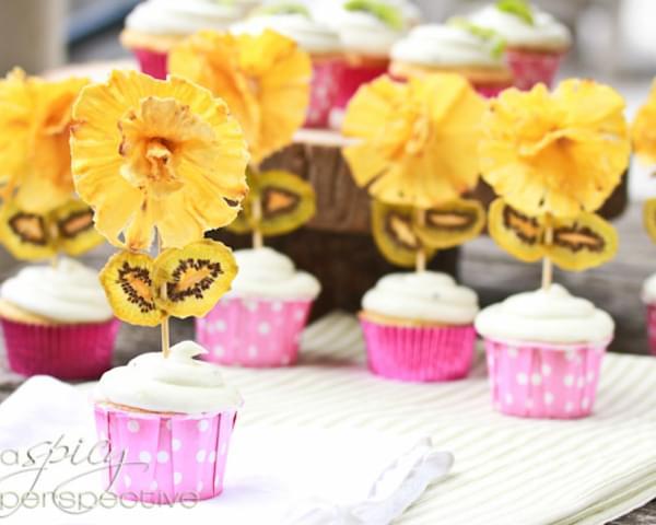 Pina Colada Cupcakes ~ Kiwi Frosting Recipe