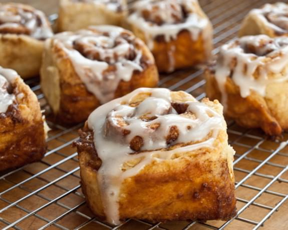 Quick Cinnamon Buns with Buttermilk Glaze