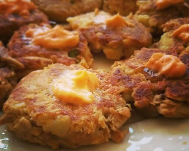 Simple Spicy Tuna Fish Cakes
