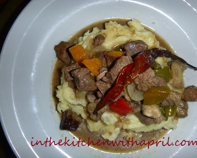 Tender Beef Cubes with Mushroom and Pepper Gravy