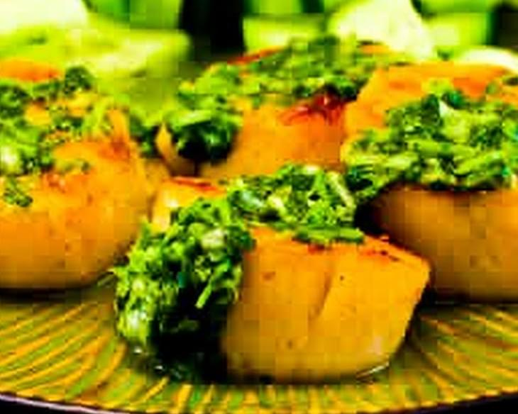 Grilled Sea Scallops with Paprika and Cilantro Salsa