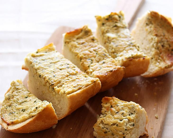 Caramelized Onion and Goat Cheese Garlic Bread