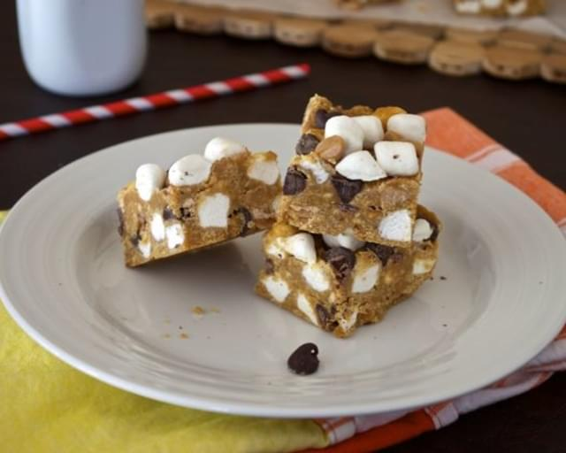 No Bake Peanut Butter Chocolate Marshmallow Bars