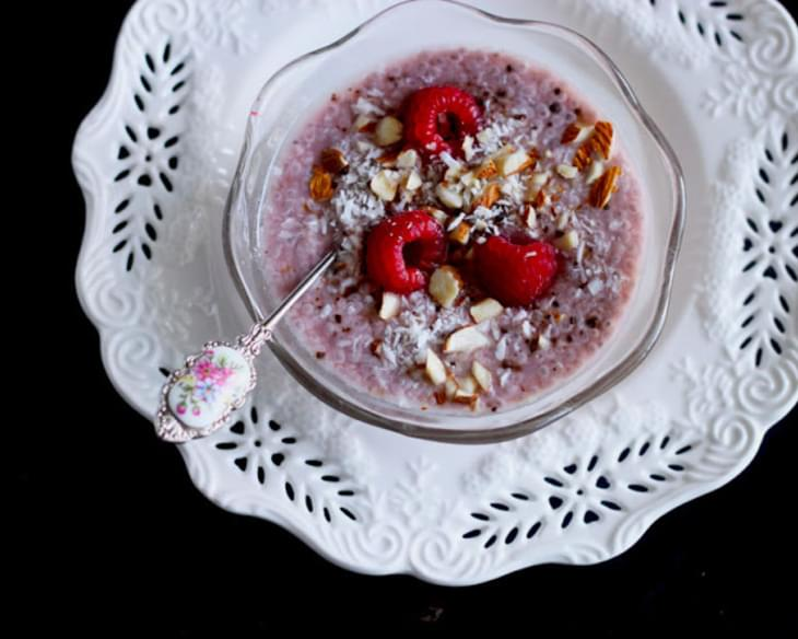 Raw Raspberry And Vanilla Chia Seed Pudding