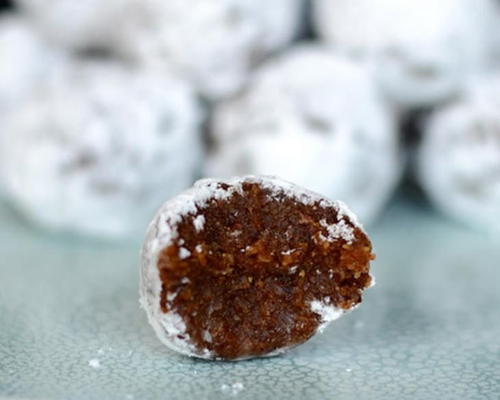 No-Bake Gingerbread Pumpkin Snowballs