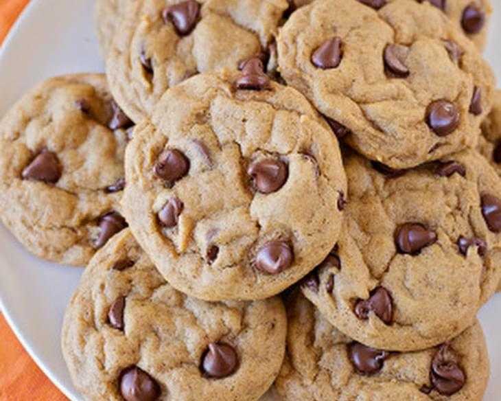 Crisp and Chewy Pumpkin Chocolate Chip Cookies
