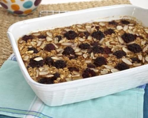Apple Blackberry Baked Oatmeal