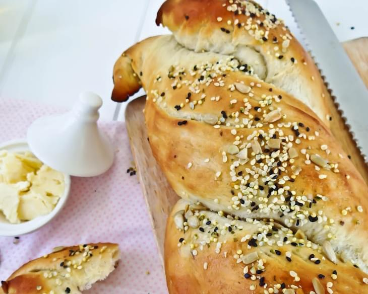 Green Tea Multi Seeded Bread