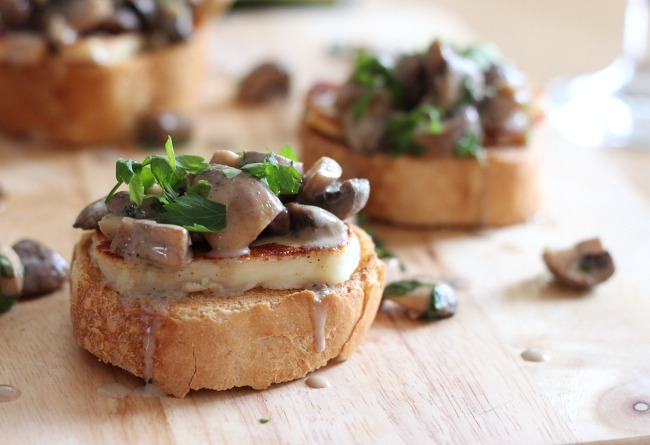 white wine mushroom bruschetta with halloumi recipe. Black Bedroom Furniture Sets. Home Design Ideas