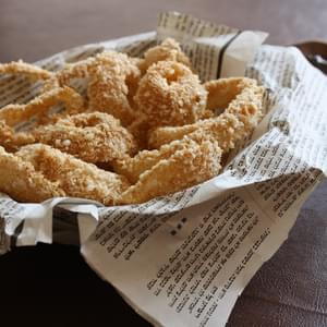 Baked Vegan Beer-Battered Onion Rings