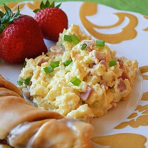Creamy Scrambled Eggs with Ham