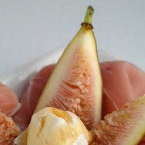 Gluten Free Figs with Prosciutto, Goat Cheese and Honey