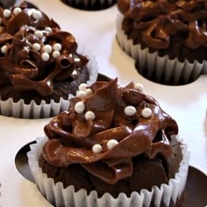 Sugar- Free Chocolate Cupcakes