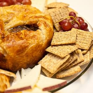Cranberry-Apple Brie en Croute