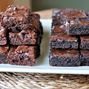 The Best Fudgy Brownies {Think: Homemade Brownies Like The Boxed Mix!}
