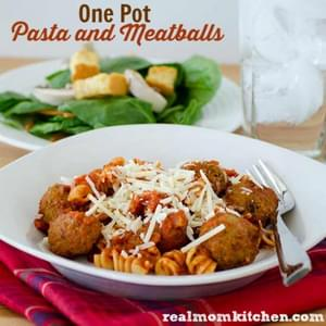 One Pot Pasta and Meatballs
