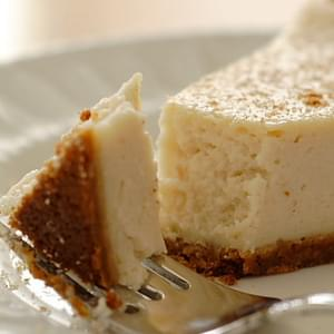 Vegan Eggnog Cheesecake