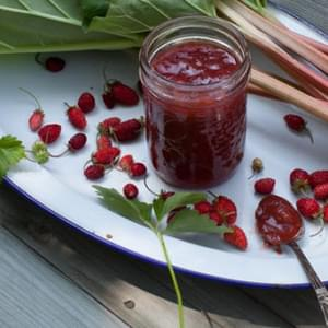 Strawberry-Rhubarb Honey Jam Recipe (sugar-free)