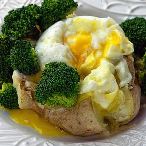 Baked Potato with Broccoli, Cheddar and Egg