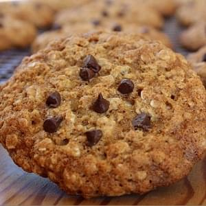 Low Fat Oatmeal- Chocolate Chip Cookies