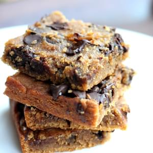 Flourless Chocolate Chip Chickpea Blondies with Sea Salt {vegan, gluten-free & healthy}