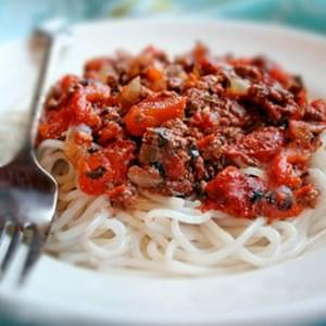 Homemade Ragù Sauce Recipe- An Easy Red Pasta Sauce