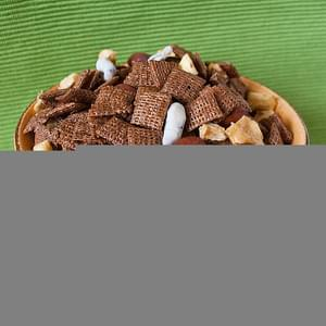 Cinnamon-Apple Chex Mix