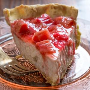 Light Rhubarb Chai Cream Pie