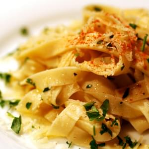 Homemade Fettuccine with Garlic and Oil