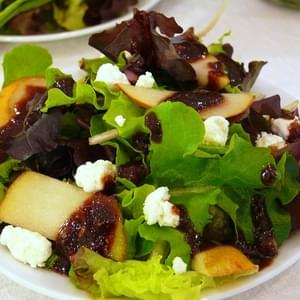 Mixed Greens Salad with Pears, Goat Cheese and Fig Vinaigrette