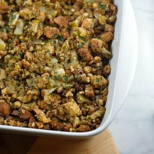 The Silver Palate's Cornbread Stuffing with Apples, Vegetarian Adaptation