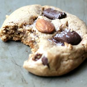 Flourless Almond Butter Dark Chocolate Chunk Cookies with sea salt {paleo, gluten free, amazingly good}