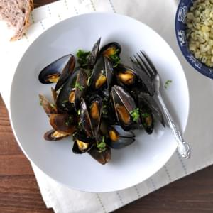 Baked Mussels with Cilantro Butter