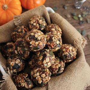 No-Bake Pumpkin Pie Energy Bites with Dark Chocolate Chunks