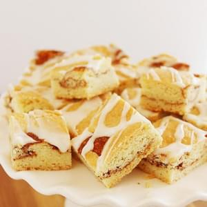 Snickerdoodle Cinnamon Roll Bars