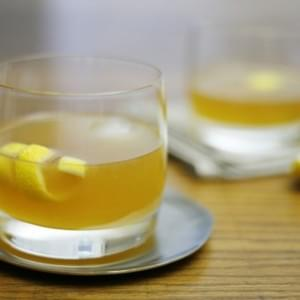 Bourbon Gold Rush Cocktail