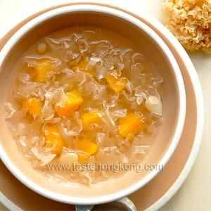 White Fungus (Snow Ear Fungus) Sweet Soup with Papaya