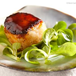Seared Sea Scallops with Hoisin Glaze
