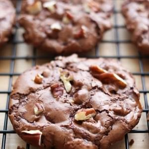 Flourless Chocolate Turtle Cookies