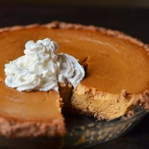 Ginger Pumpkin Pie with Graham Cracker Crust