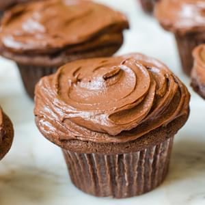 Chocolate Cupcakes with Creamy Chocolate Frosting