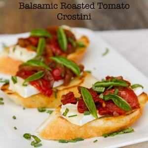 Brie and Balsamic Roasted Tomato Crostini