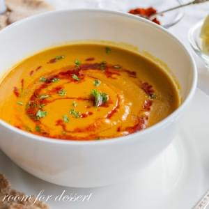 Butternut Squash and Red Lentil Soup (Shorabit Jarjir)