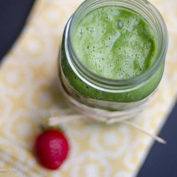 Lemony Green Smoothie with Sorrel