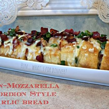 Bacon-Mozzarella Accordion Style Garlic Bread