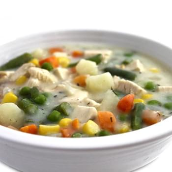 Skinnylightful Chicken Pot Pie Soup